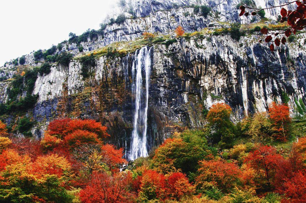 valle del asón cascada